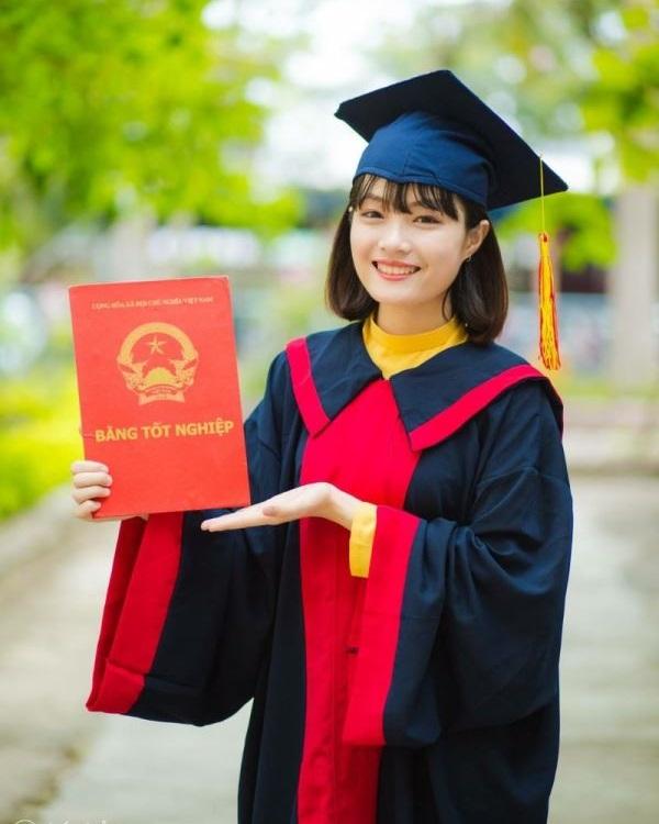 Thuê áo tốt nghiệp THCS